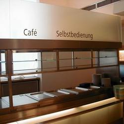 Selbstbedienungsbereich mit Kühlfächer